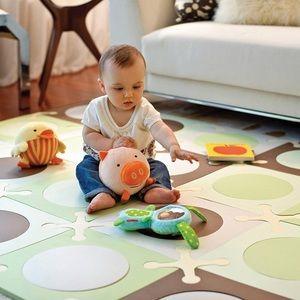 SKIP HOP Interlocking floor tile foam floor mat